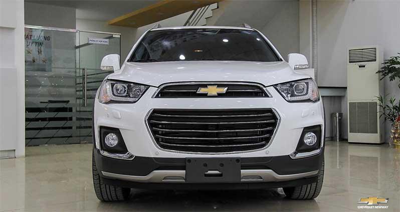 Phần đầu xe là điểm nổi bật nhất của Chevrolet Captiva