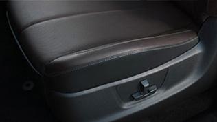 Ghế chỉnh điện 6 hướng trên Chevrolet Colorado 2017